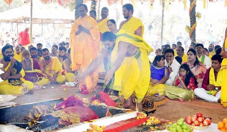Telangana CM KCR continues his temple run - Satya Hindi