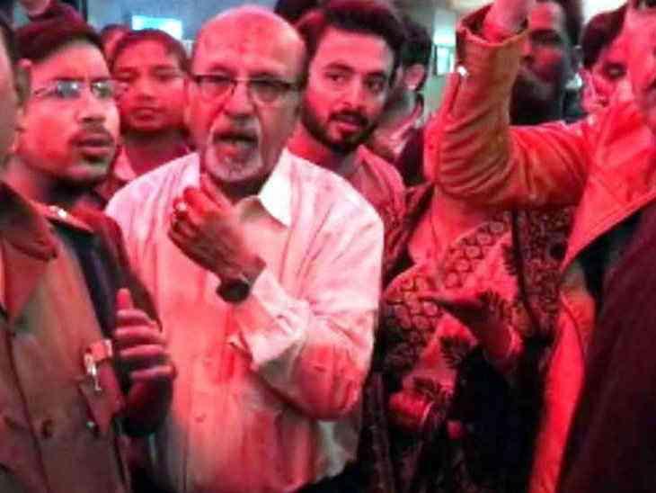 protest over the accidental prime minister movie in madhya pradesh and chhattisgarh - Satya Hindi