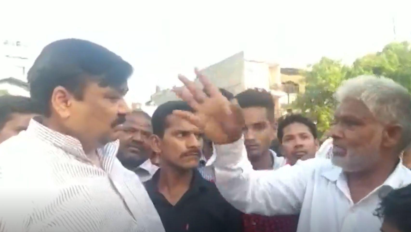 attack on muslim family aligarh hate against muslims - Satya Hindi