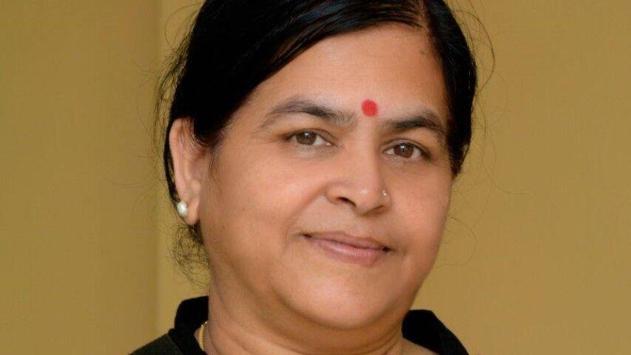 BJP leaders on Cow urine pragya thakur in support - Satya Hindi