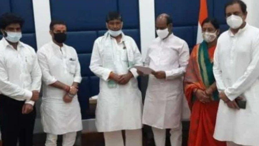 Split in LJP chirag slams pashupati paras - Satya Hindi