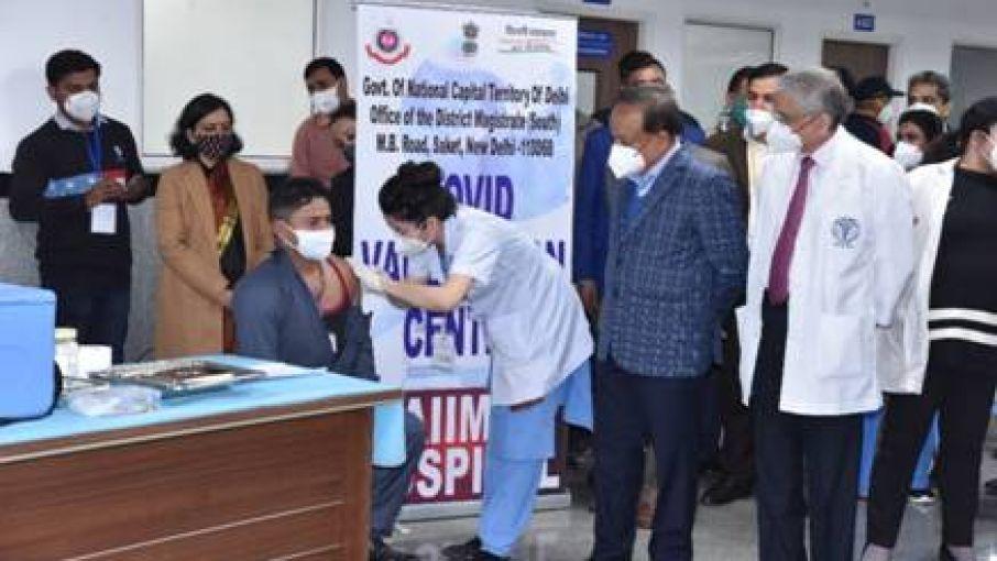 modi govt corona vaccine policy criticism  - Satya Hindi