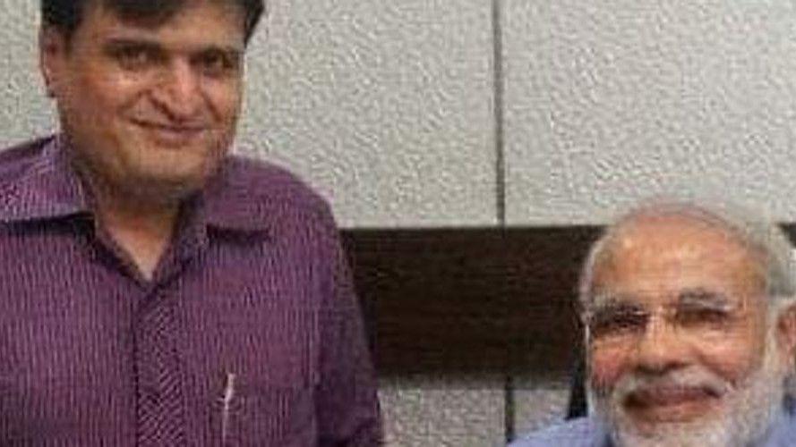 Mumbai BJP spokesperson Suresh Nakhua tweets fake video - Satya Hindi