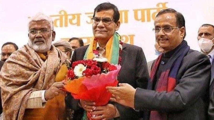 UP BJP political crisis swatantra dev singh remark - Satya Hindi